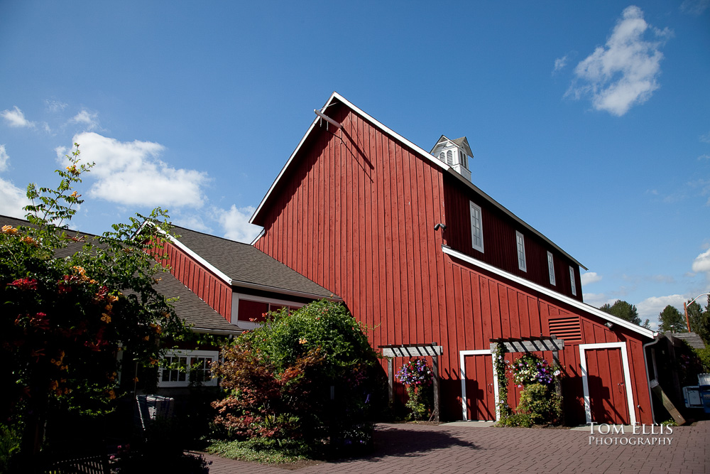 Pickering Barn in Issaquah is a great all-season wedding venue