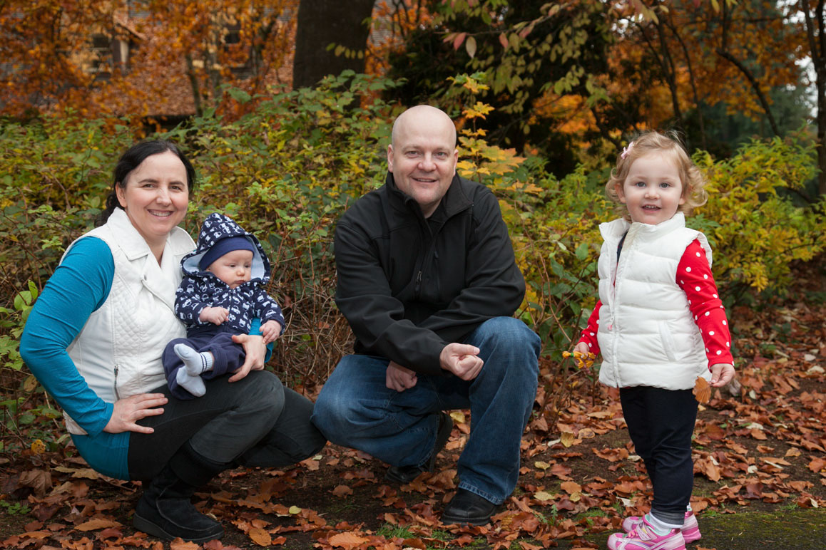 Kehm family photo with fall colors at Marymoor Park in Redmond, WA
