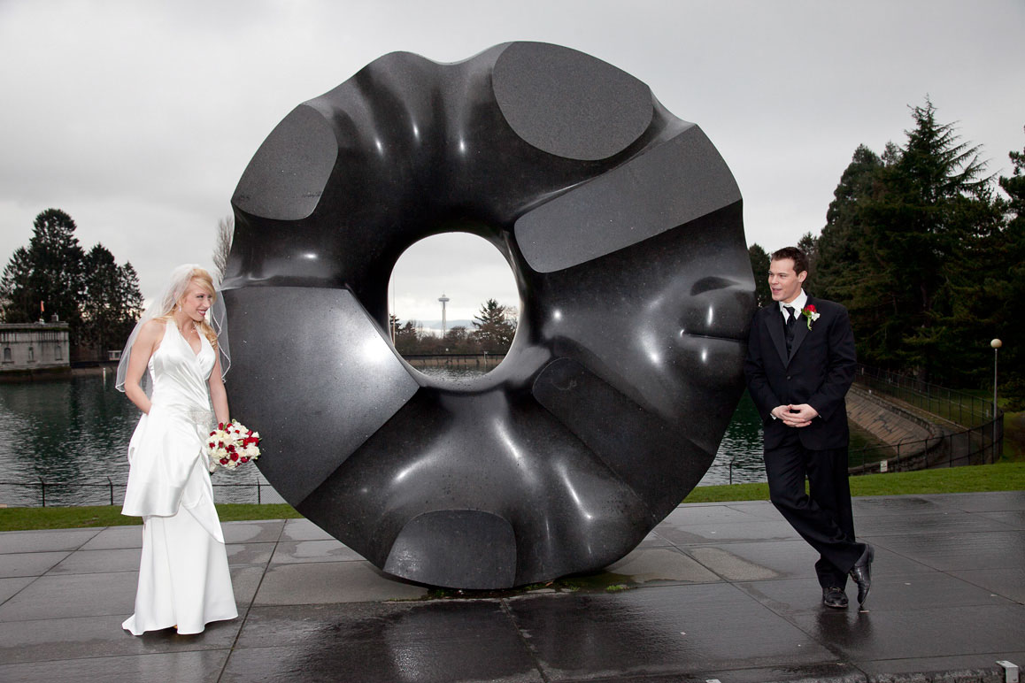 wedding couple at 'doughnut sculpture' in Volunteer Park